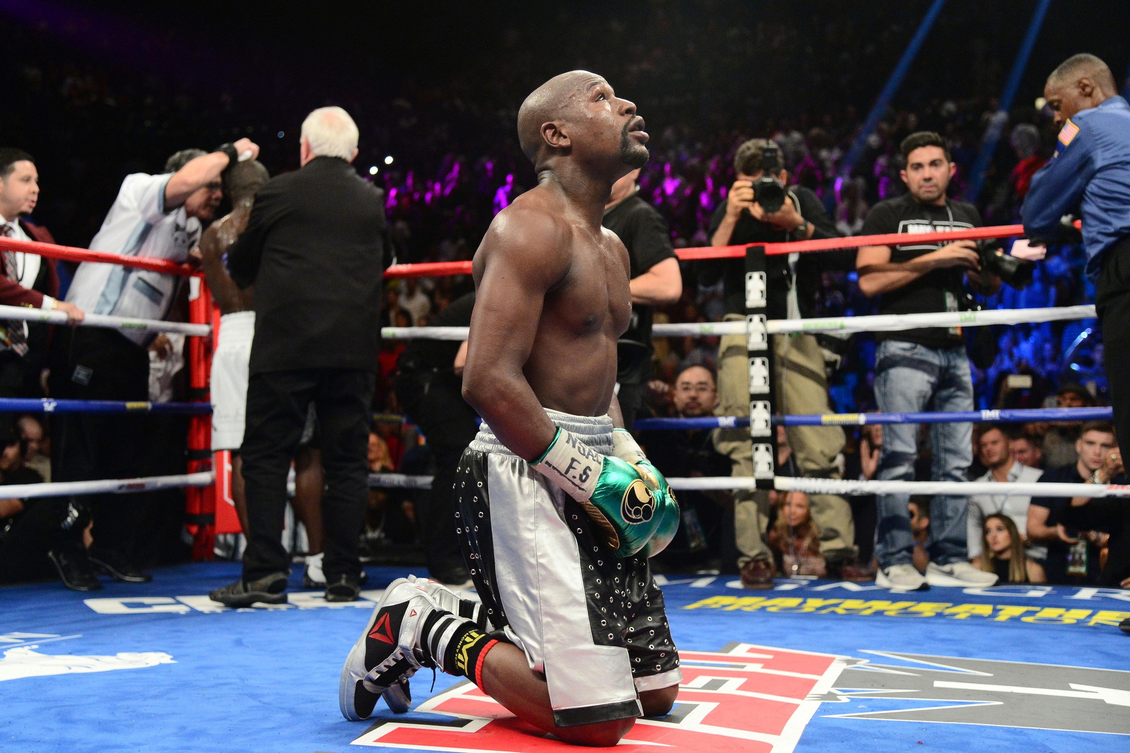 Mayweather vs. McGregor fight scheduled for Aug. 26 ...