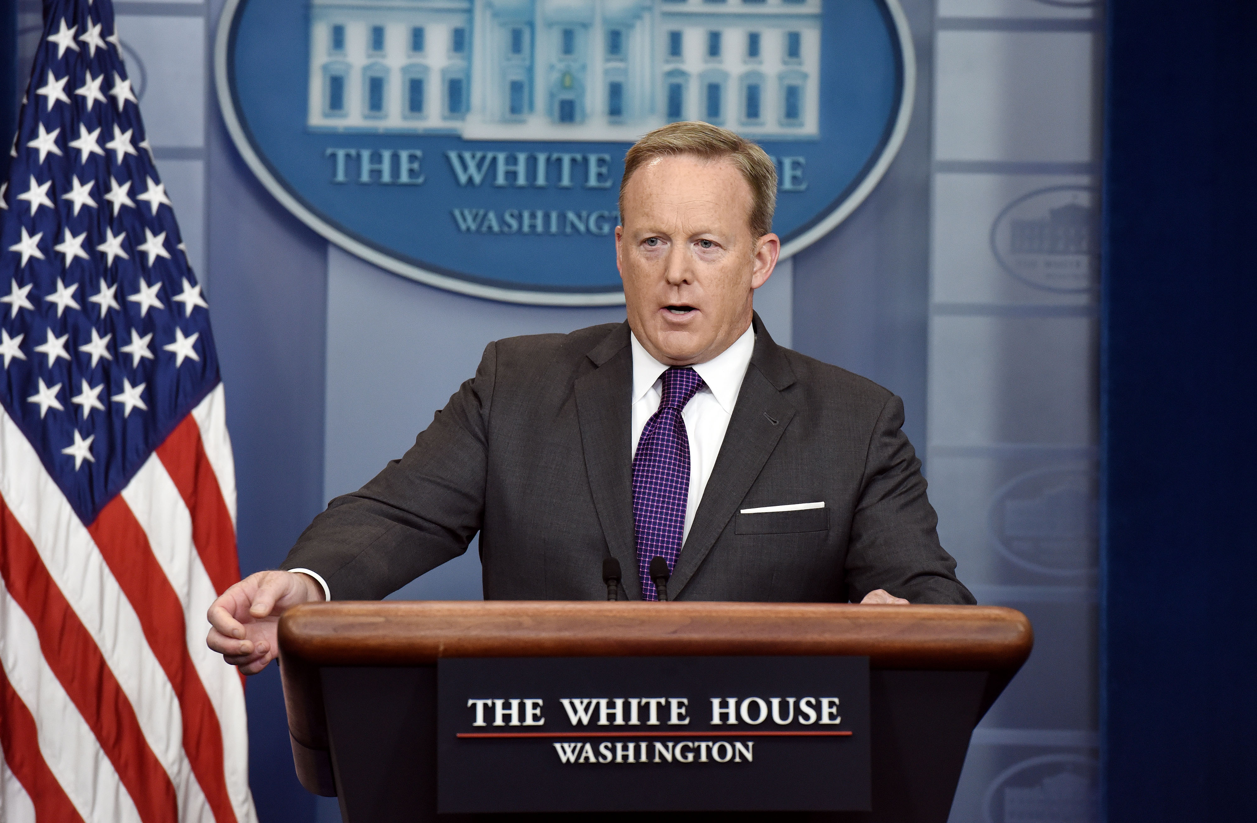 white house press briefing after sean spicer resignation