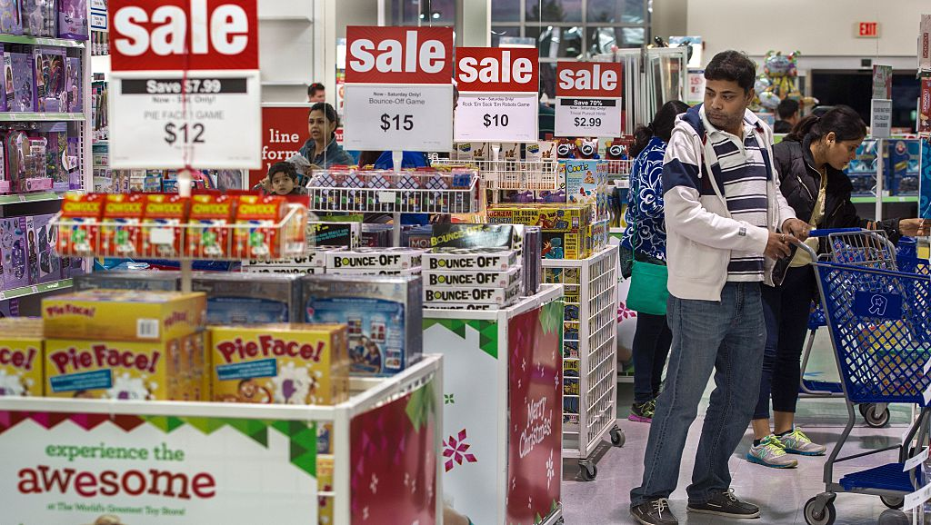 Toys R Us May File For Bankruptcy Before The Holidays Report 9news Com
